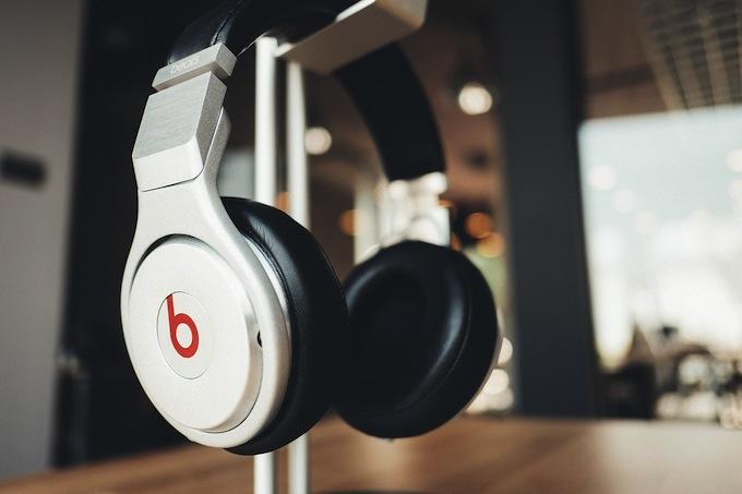 headphones160510